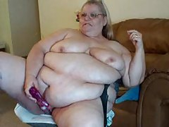 Super fat mature doing dildo show on cam tubes