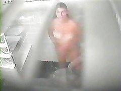 Hot older babe takes a hidden cam shower tubes