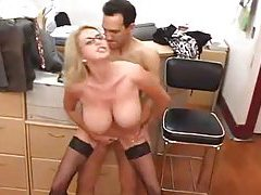Office milf in glasses makes great sex partner tubes
