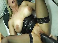 Huge dildo fucking the sexy pussy hole tubes