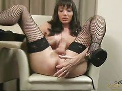 Mariana Cordoba Masturbates on the fruit tube