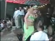 Sexy dancing Arab girl tubes