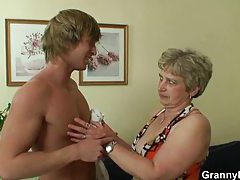 Old lady wants his young cock tubes
