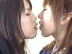 Japanese schoolgirls kissing lustily tubes