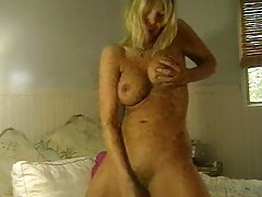 Solo milf in amateur video toying tubes