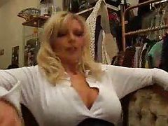 Milf bimbos in closet having sex tubes