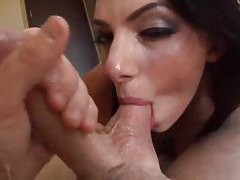 Juelz Ventura loves giving sloppy blowjob tubes