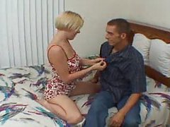 Sexually aggressive mom needs cock tubes