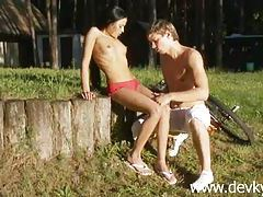 Russian couple and outdoor oral sex tubes