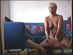 Couple having sex in living room tubes