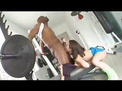 Muscular black man fucks a slut in the gym tubes