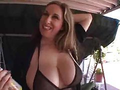 Big sexy titties on milf that loves cock tubes