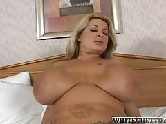 Making her huge tits bounce during sex tubes