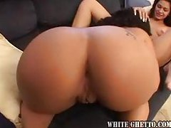 The ladies share a dildo and eat pussy tubes
