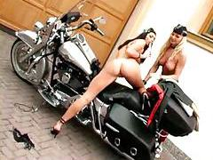 Hot biker chicks having lesbian sex tubes