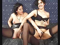 Hot sluts do a group scene with a bunch of guys tubes