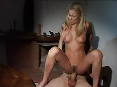 Intruder makes the girl fuck her wet pussy tubes