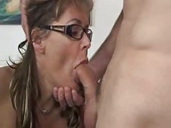 Milf fucks a young man that was to fix something tubes