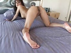Sexy girl with sexy feet masturbating tubes