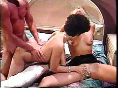 Classic hardcore threesome with cumshot tubes