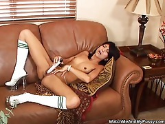 Hot babe has a toy for her box tubes