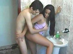 Amateur couple has a fuck in the bathroom tubes