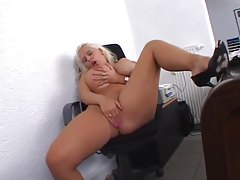 Office babe with giant boobs masturbates tubes