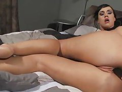Gorgeous solo toy girl fucks her cunt tubes