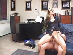 Gal in glasses boned in her asshole tubes