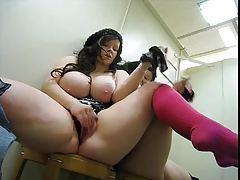 Fat chick masturbates in changing room tubes