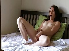 Skinny girl has genuine orgasms tubes