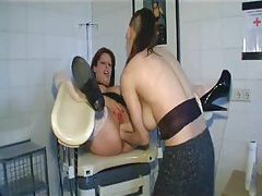 Lesbian double fisting of curvy girl tubes