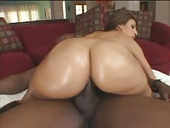 The oil on her ass makes her so fuckable tubes