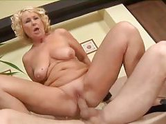 Mature and the young big cock have fun tubes