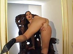 European with hot lips fingers her box tubes