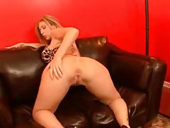 Fat girl is crazy for oral sex with black dick tubes