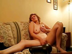 Natural milf on webcam masturbates tubes