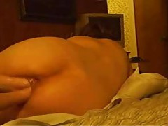 He double fists his amateur wife tubes