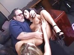 Chubby older guy plays with two cuties tubes