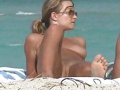 Voyeur video of naked girls at the beach tubes