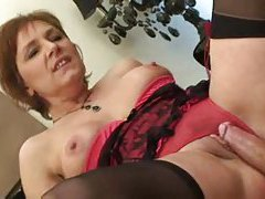 Lingerie on this naughty mature model tubes