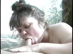 Fat girl knows how to suck a dick tubes