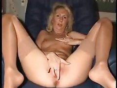 Mature gal with a perfect pink pussy tubes