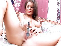 Big boobs are hot on solo girl toying her vagina tubes