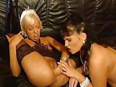 Blonde fists her pink pussy wide open tubes