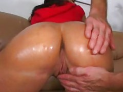 He massages ass of a milf in skirt tubes