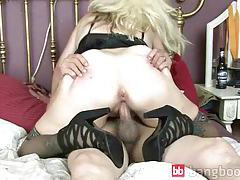 Mature Blond Gets Cock tube