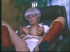 Retro porn milf likes to show her big tits tubes