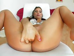Finger banging a girl with a perfect tight ass tubes