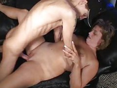 Skinny guy fucks a big mature babe tubes